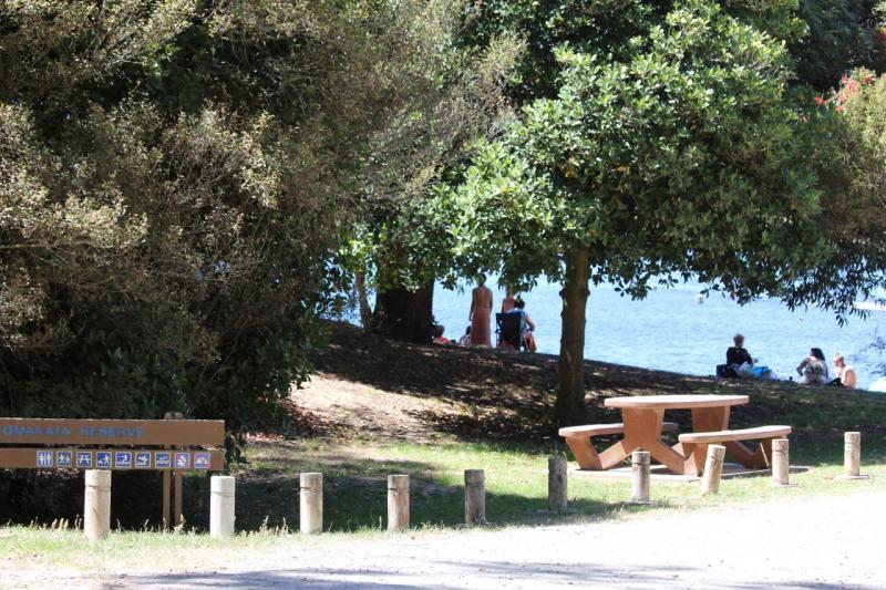 Tomarata Lake